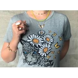 Camiseta Onça e Flores